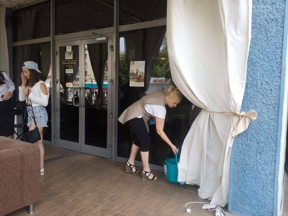 Організатори фестивалю «Опера в мініатюрі» влаштували співочий флешмоб посеред міста, фото-2