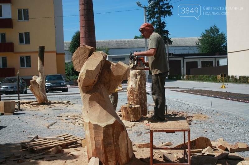 """Фестиваль """"ПОDІЛЛЯ WOODCRAFT"""" продовжується. Учасники працюють над скульптурами, фото-2"""