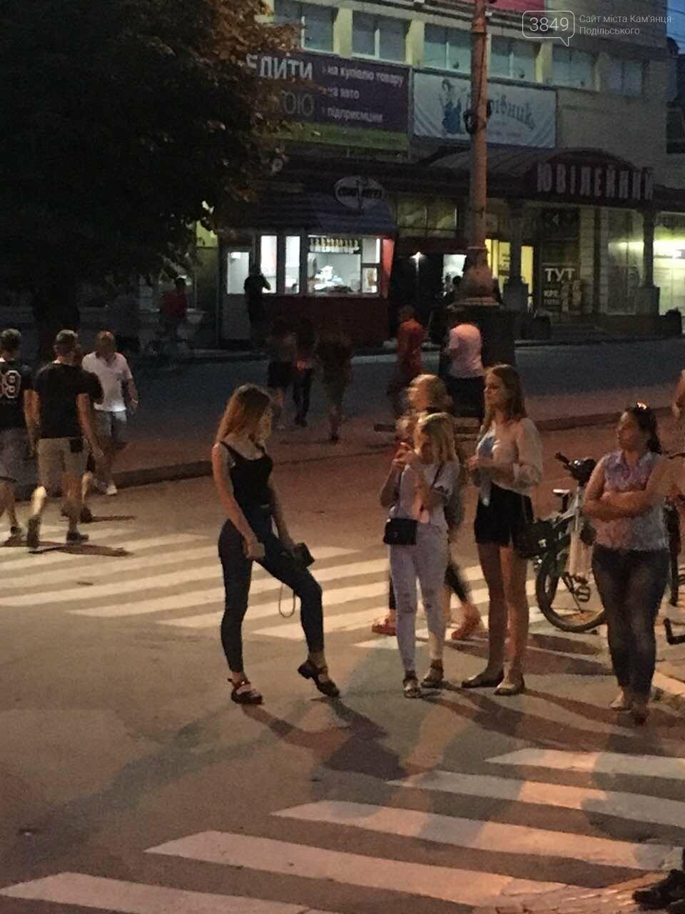 """У Кам'янці горить колишній готель """"Україна"""", фото-7"""
