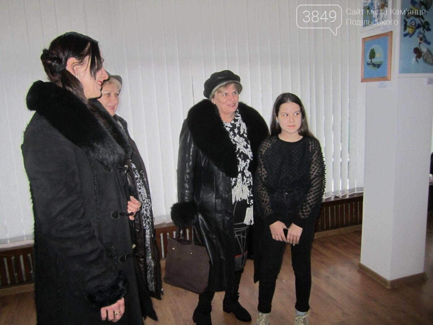 Юна Богдана Ільєва презентувала виставку гобеленів, фото-10