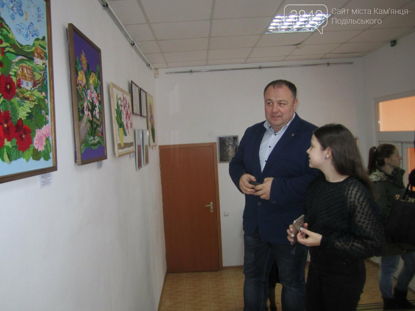 Юна Богдана Ільєва презентувала виставку гобеленів, фото-23