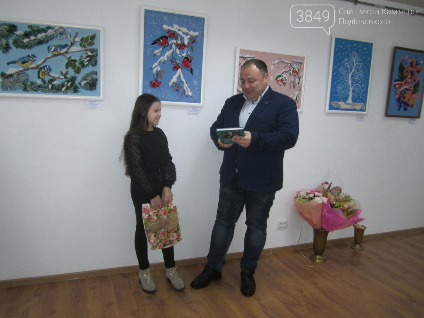 Юна Богдана Ільєва презентувала виставку гобеленів, фото-28