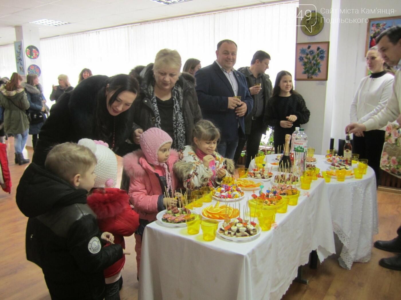 Юна Богдана Ільєва презентувала виставку гобеленів, фото-31
