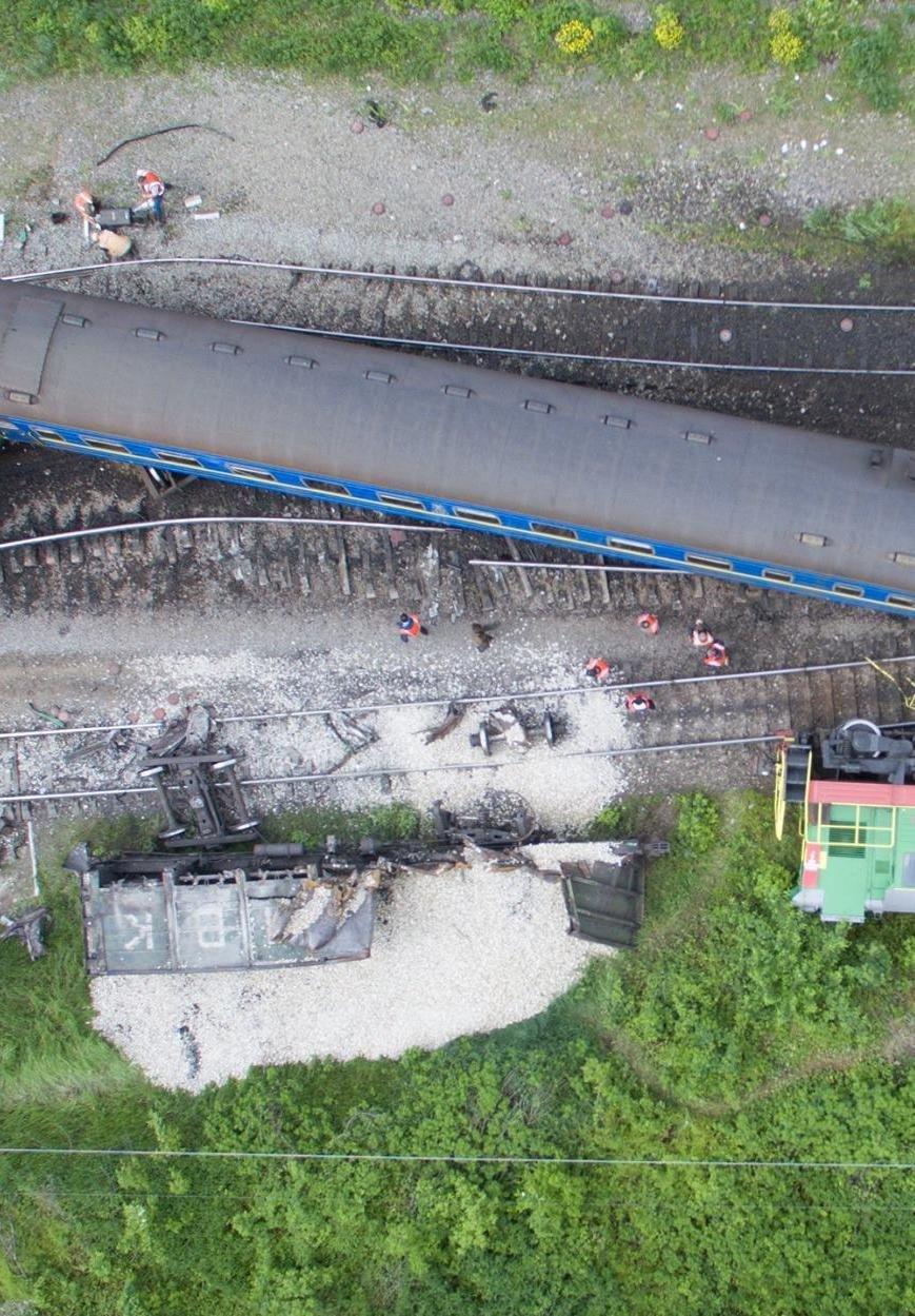 Тривають відновлювальні роботи внаслідок аварії на залізниці (відео), фото-1