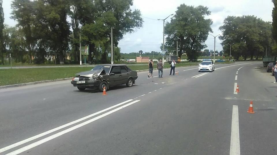 ДТП за участі трьох автомобілів, фото-1