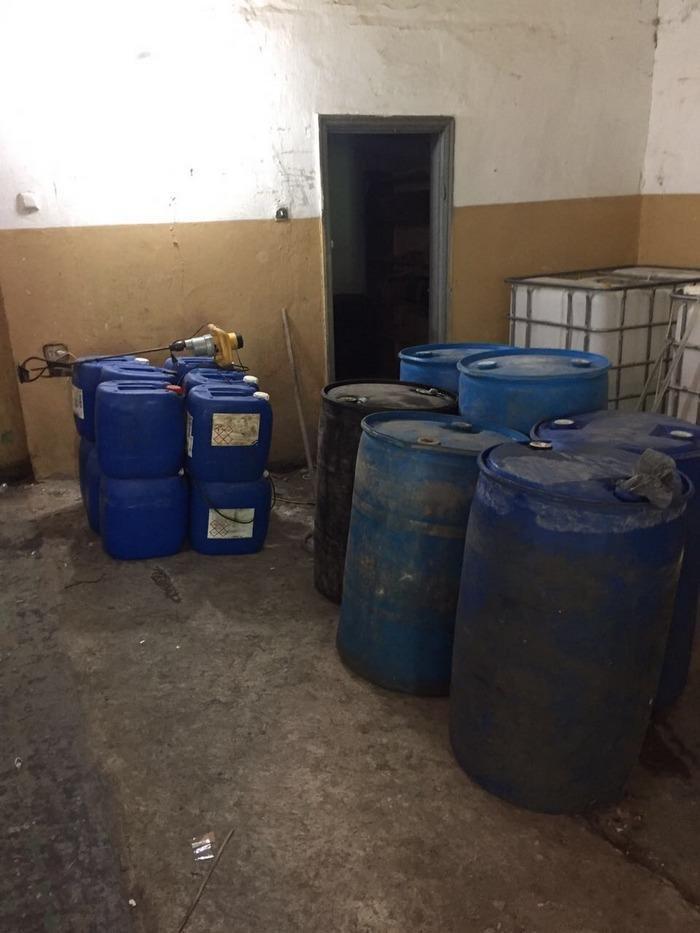 У Кам`янці закрили цех з підпільного виготовлення алкоголю, фото-1