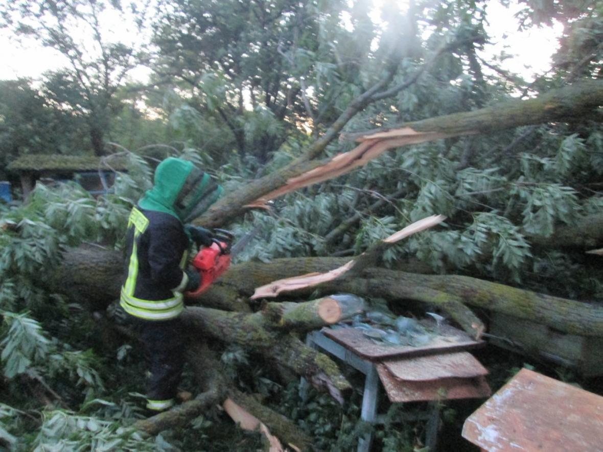 Вчорашня злива знеструмила 236 населених пунктів, фото-7