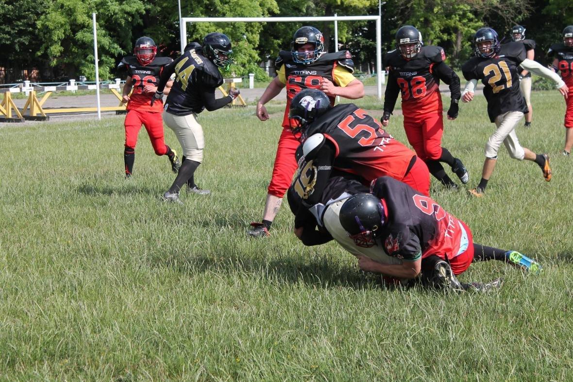 У Кам'янці продовжують грати в Американський футбол, фото-1