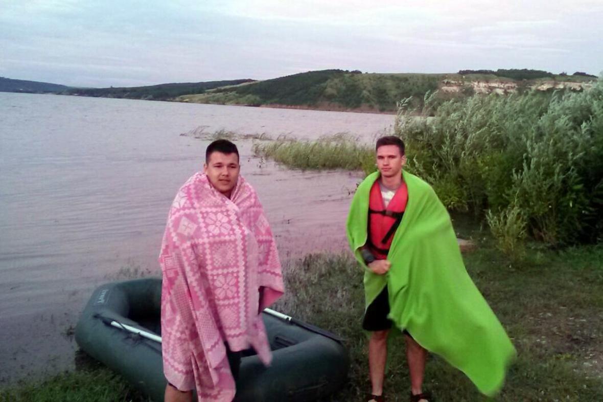 Рятувальники врятували на Дністрі двох вінничан, фото-1