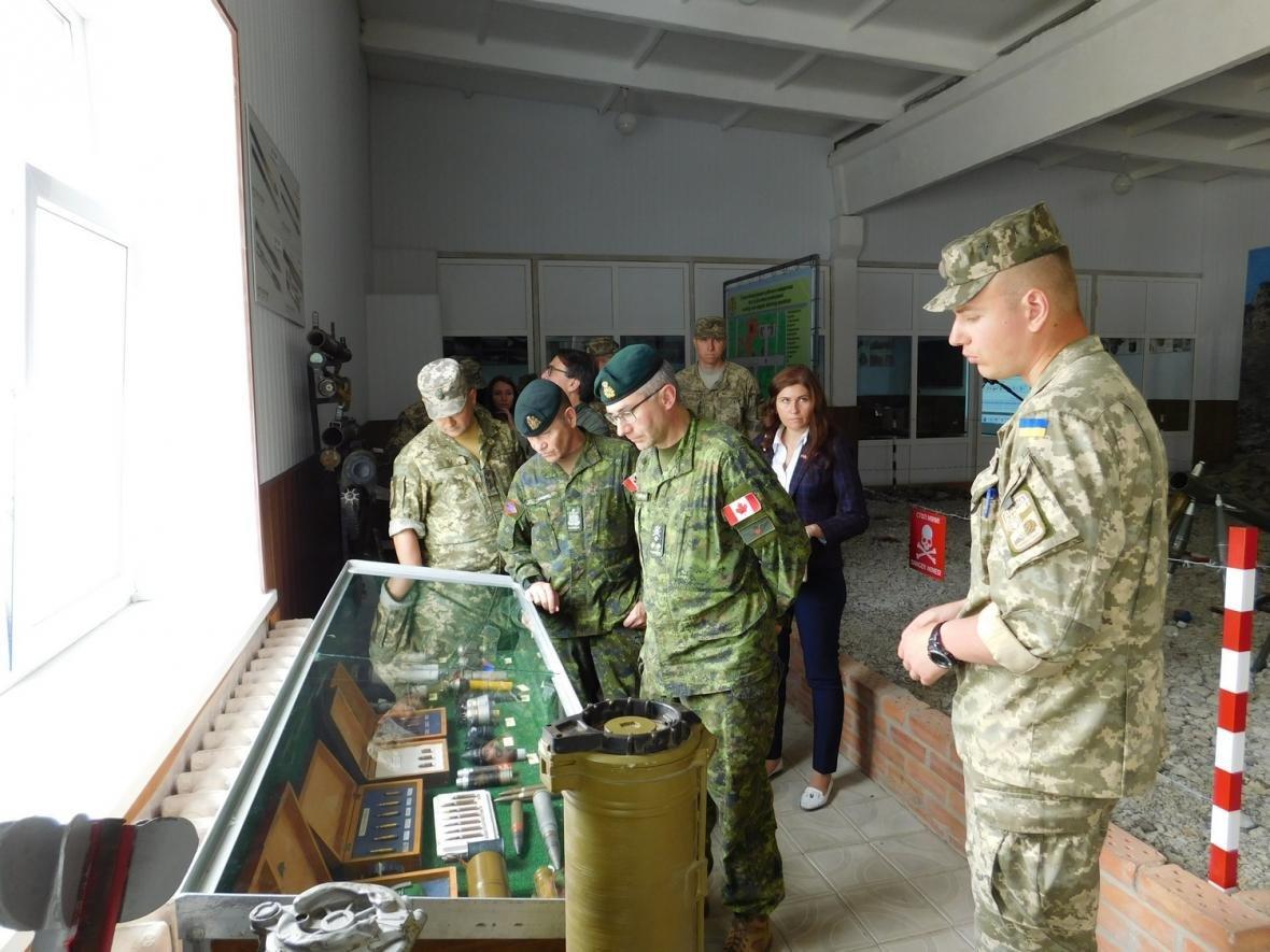 Візит командувача Сухопутних військ ЗС Канади, фото-19