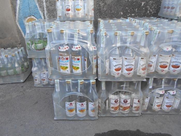 На Хмельниччині розшукують організаторів незаконного цеху з виготовлення алкоголю , фото-2