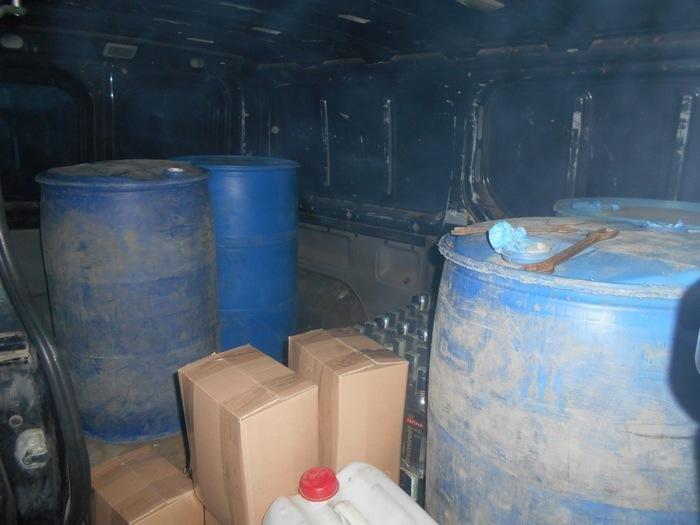 На Хмельниччині розшукують організаторів незаконного цеху з виготовлення алкоголю , фото-3