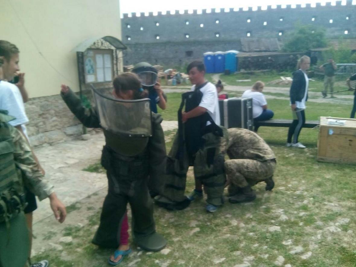 Військовослужбовці Центру розмінування провели показові заняття з мінної безпеки, фото-10