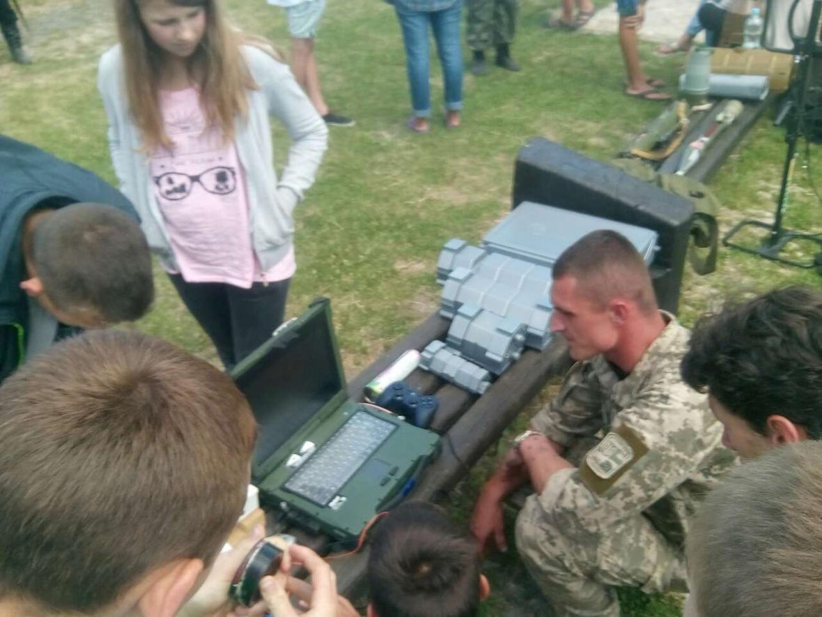 Військовослужбовці Центру розмінування провели показові заняття з мінної безпеки, фото-5