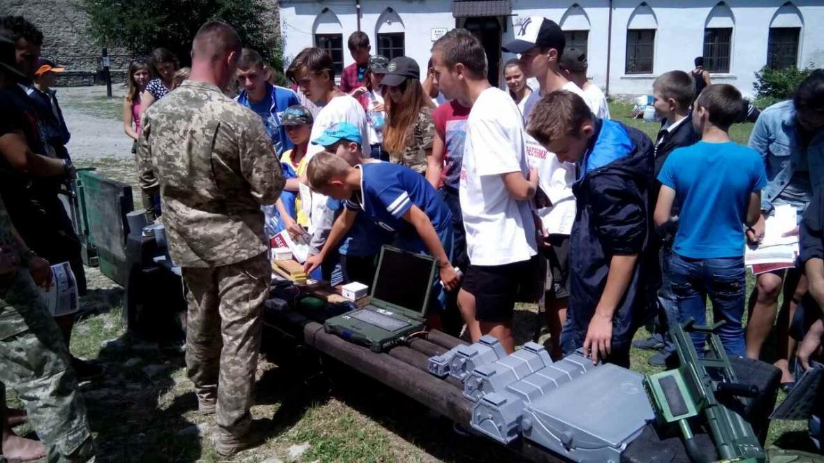 Військовослужбовці Центру розмінування провели показові заняття з мінної безпеки, фото-4