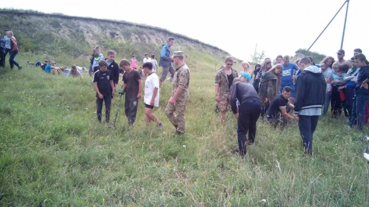 Військовослужбовці Центру розмінування провели показові заняття з мінної безпеки, фото-12