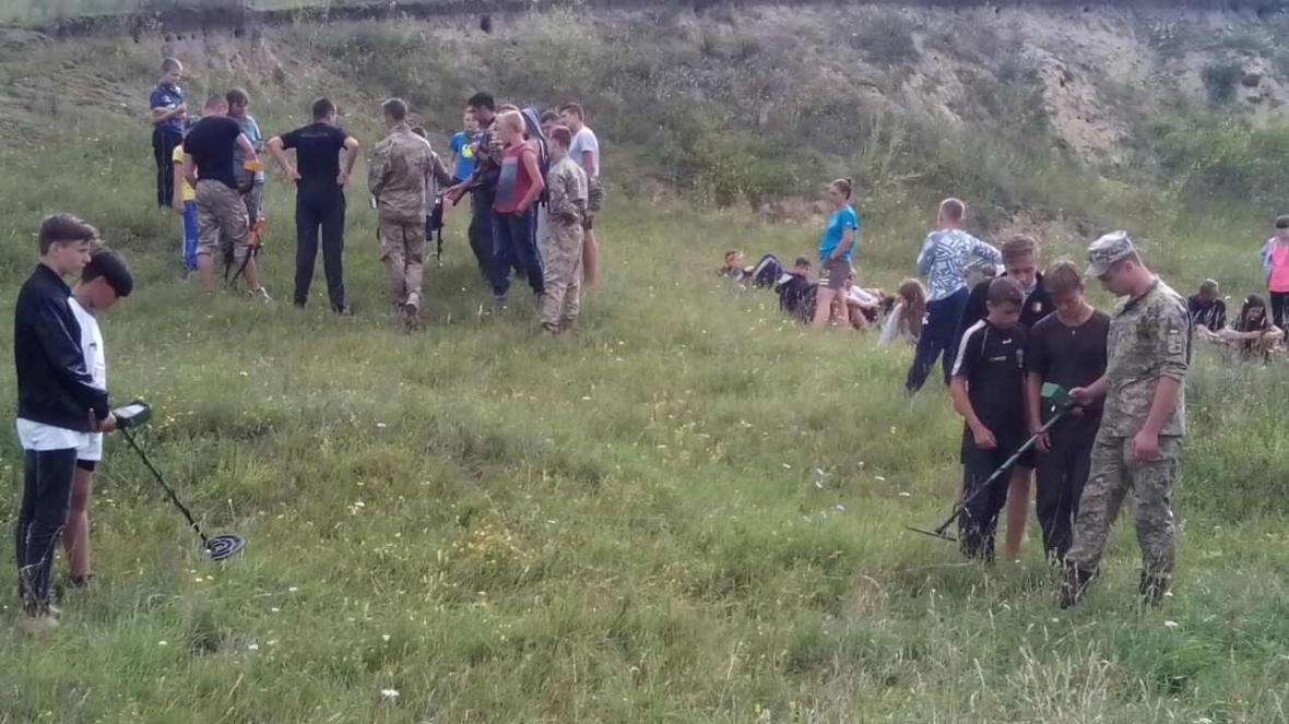 Військовослужбовці Центру розмінування провели показові заняття з мінної безпеки, фото-13