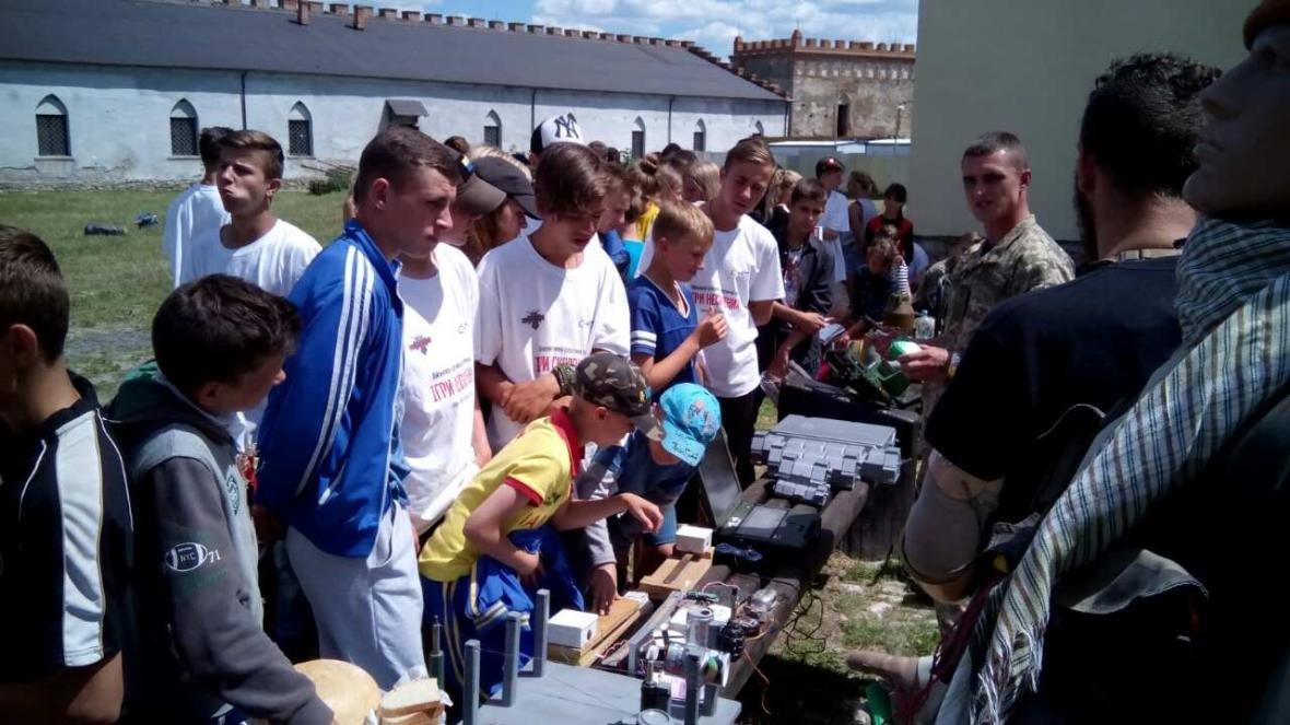 Військовослужбовці Центру розмінування провели показові заняття з мінної безпеки, фото-15