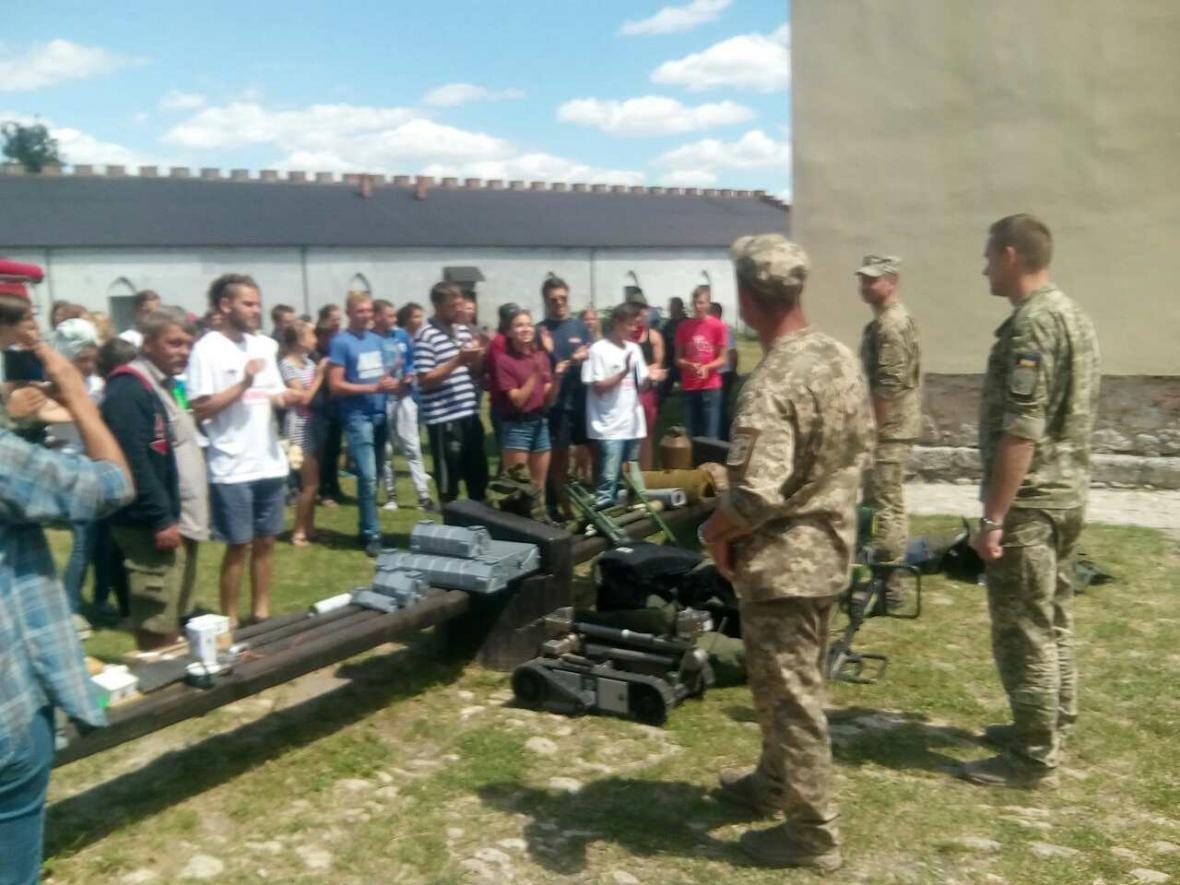 Військовослужбовці Центру розмінування провели показові заняття з мінної безпеки, фото-6