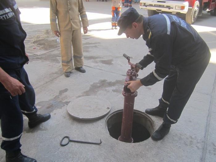 Рятувальники ліквідували умовну пожежу на території цементного заводу, фото-1