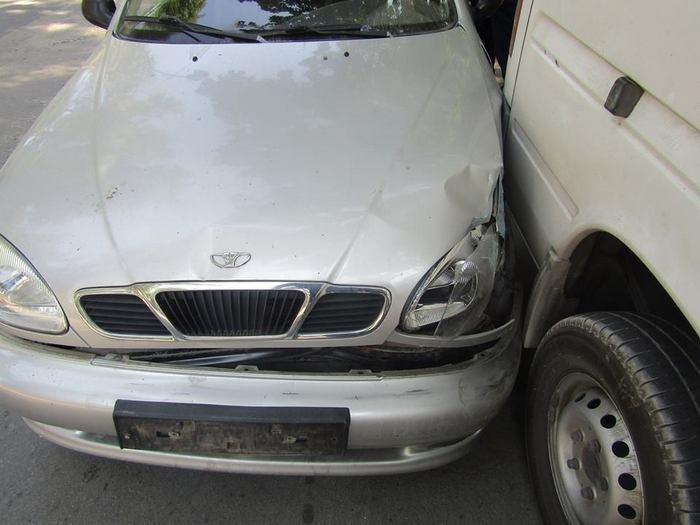 Пенсіонер у Кам`янці спричинив аварію за участю п'яти автомобілів, фото-1