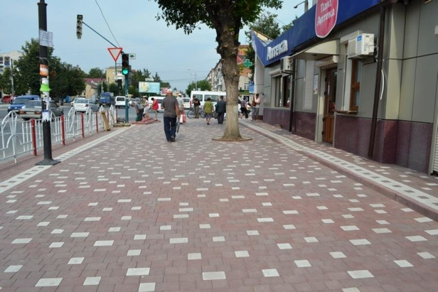 В Кам`янці розпочато другий етап робіт по оновленню тротуару, фото-3