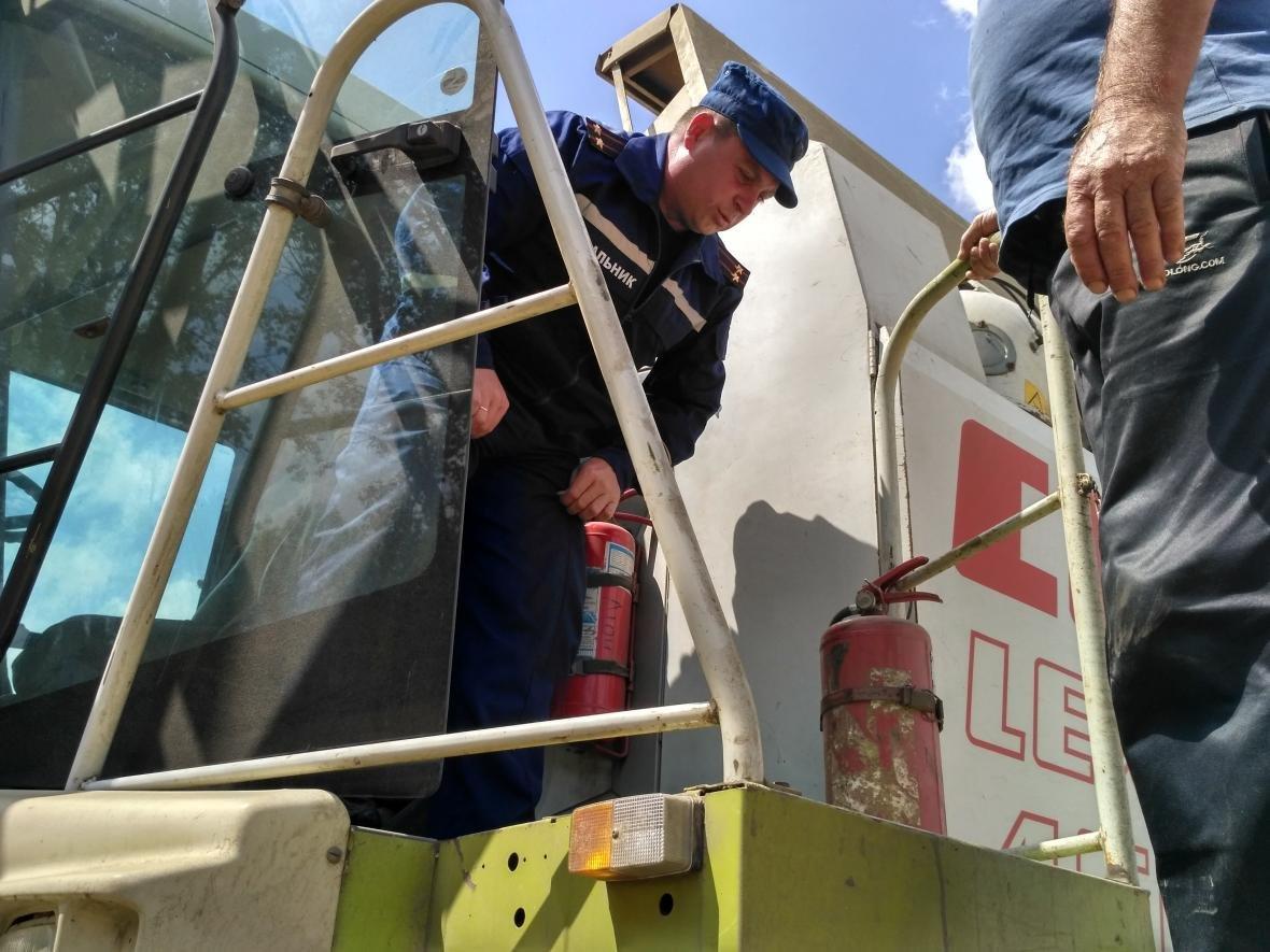 Рятувальники запобігають пожежам під час жнив, фото-3