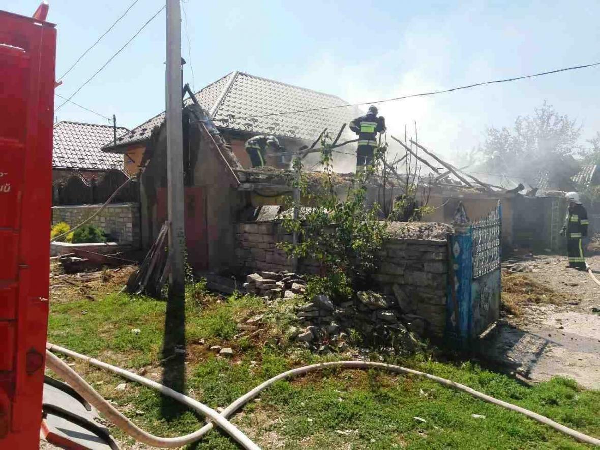 В Кам`янець-Подільському районі рятувальники ліквідували пожежу допоміжної споруди, фото-2