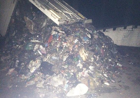 """У Хмельницькій області затримали автомобіль «DAF» із """"львівським"""" сміттям, фото-1"""