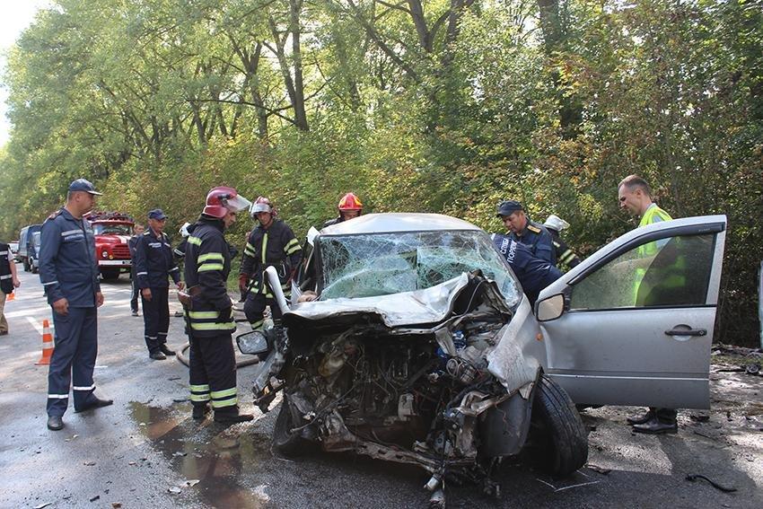 На Хмельниччині смертальна ДТП: 4 людини загинуло, фото-3