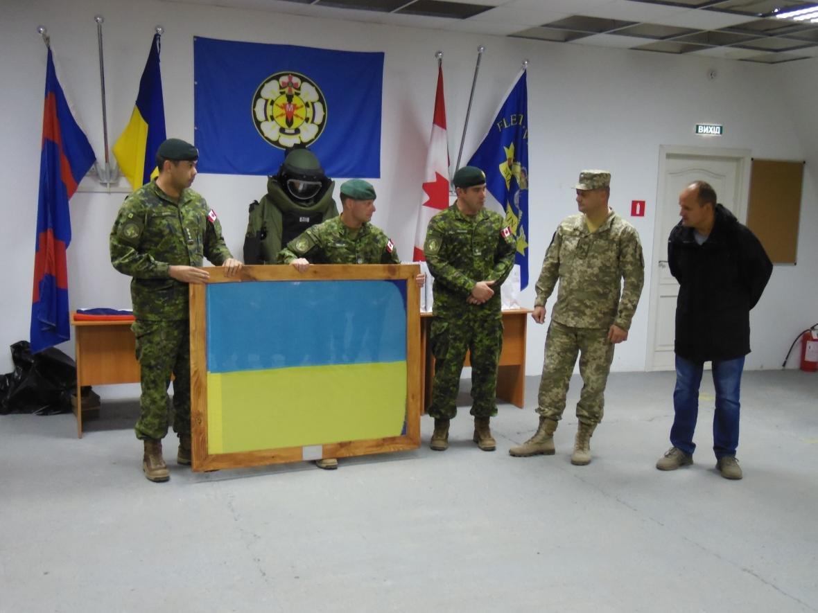 Збройні Сили Канади покинули Кам'янець-Подільський, фото-1
