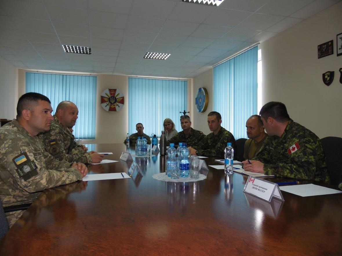 Збройні Сили Канади покинули Кам'янець-Подільський, фото-2