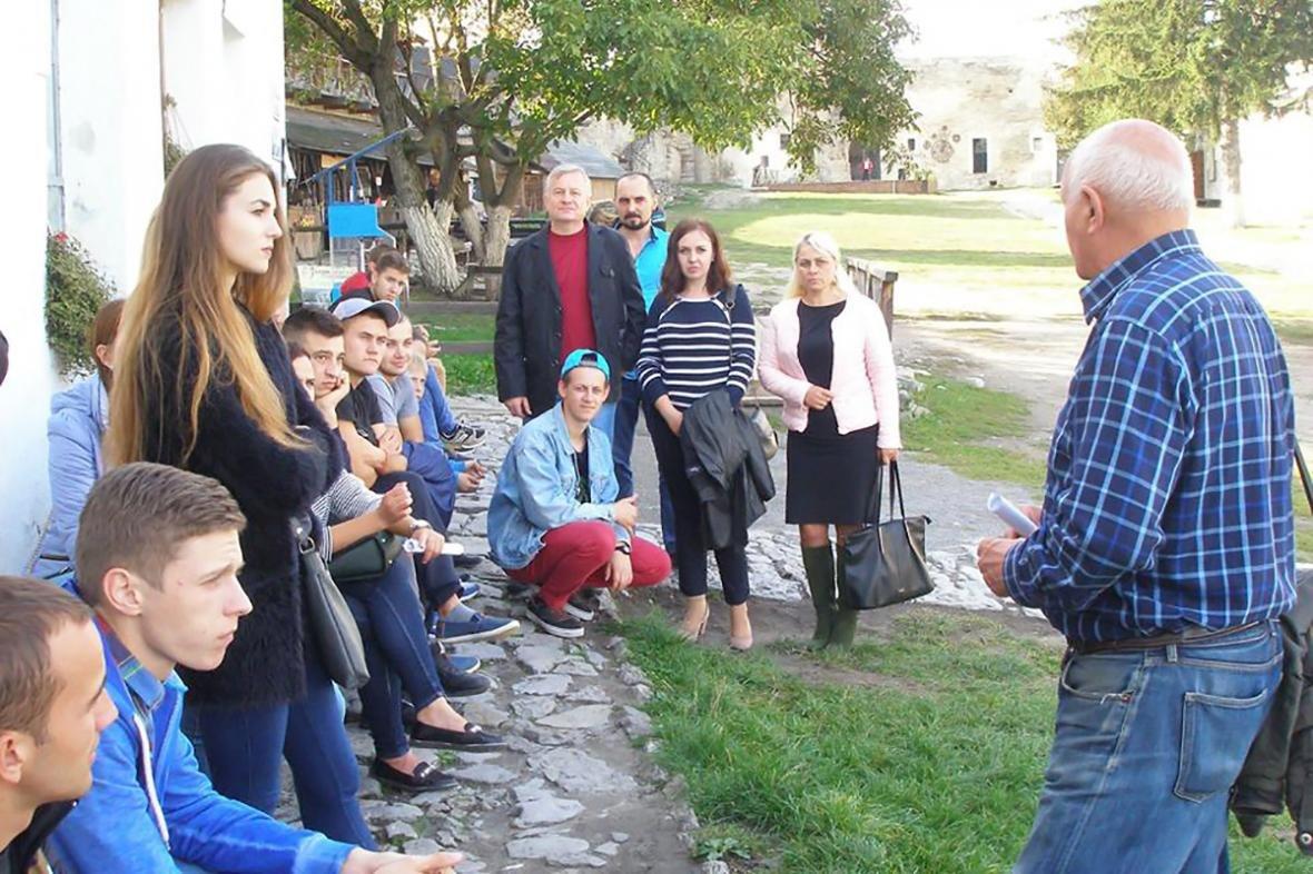 """Студенти ПДАТУ взяли участь у міському культурно-освітньому заході """"Я – студент туристичного міста"""", фото-6"""