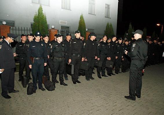 Зведений загін поліцейських Хмельницької області вирушив допомагати колегам із Вінничини, фото-2