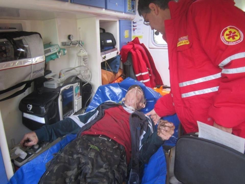 У Кам'янці рятувальники дістали чоловіка із каналізаційного колодязя, фото-1