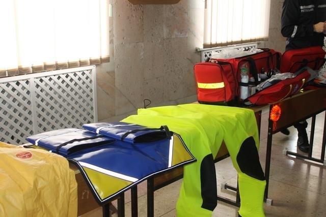 Рятувальники Кам'янця отримали нове обладнання на суму понад 2 мільйони євро, фото-3