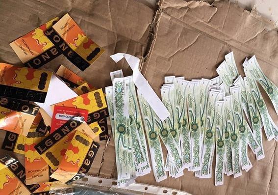 У Хмельницькій області виявлено понад 2,5 тисячі пляшок горілчаного фальсифікату, фото-1