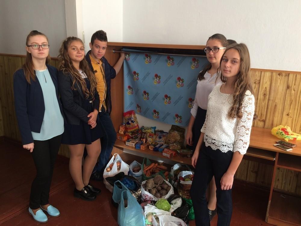 """У Кам'янці учні провели благодійну акцію """"5 картоплин"""", фото-2"""