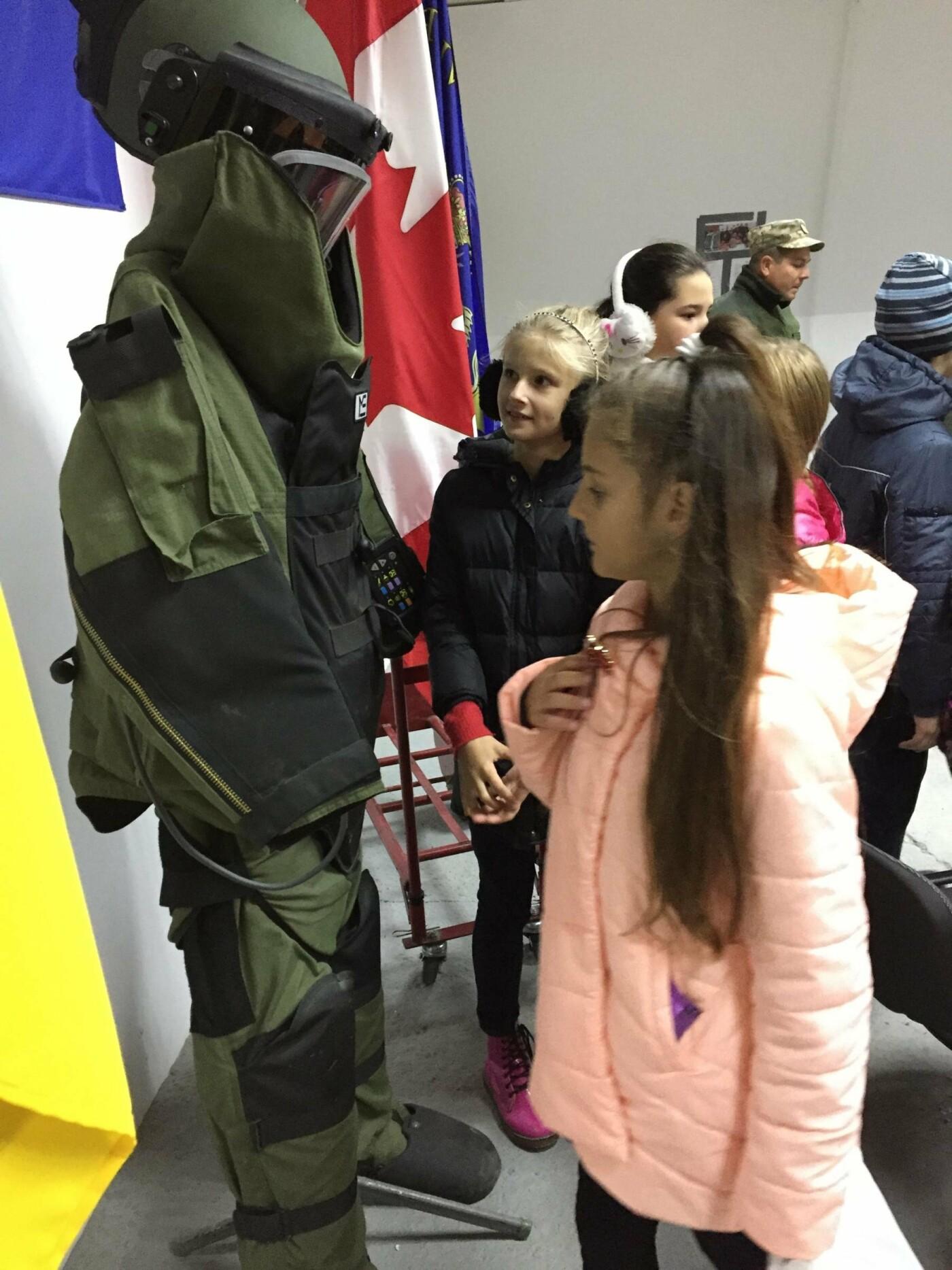 Військові Центру розмінування присвятили тиждень дитячому патріотичному вихованню, фото-19