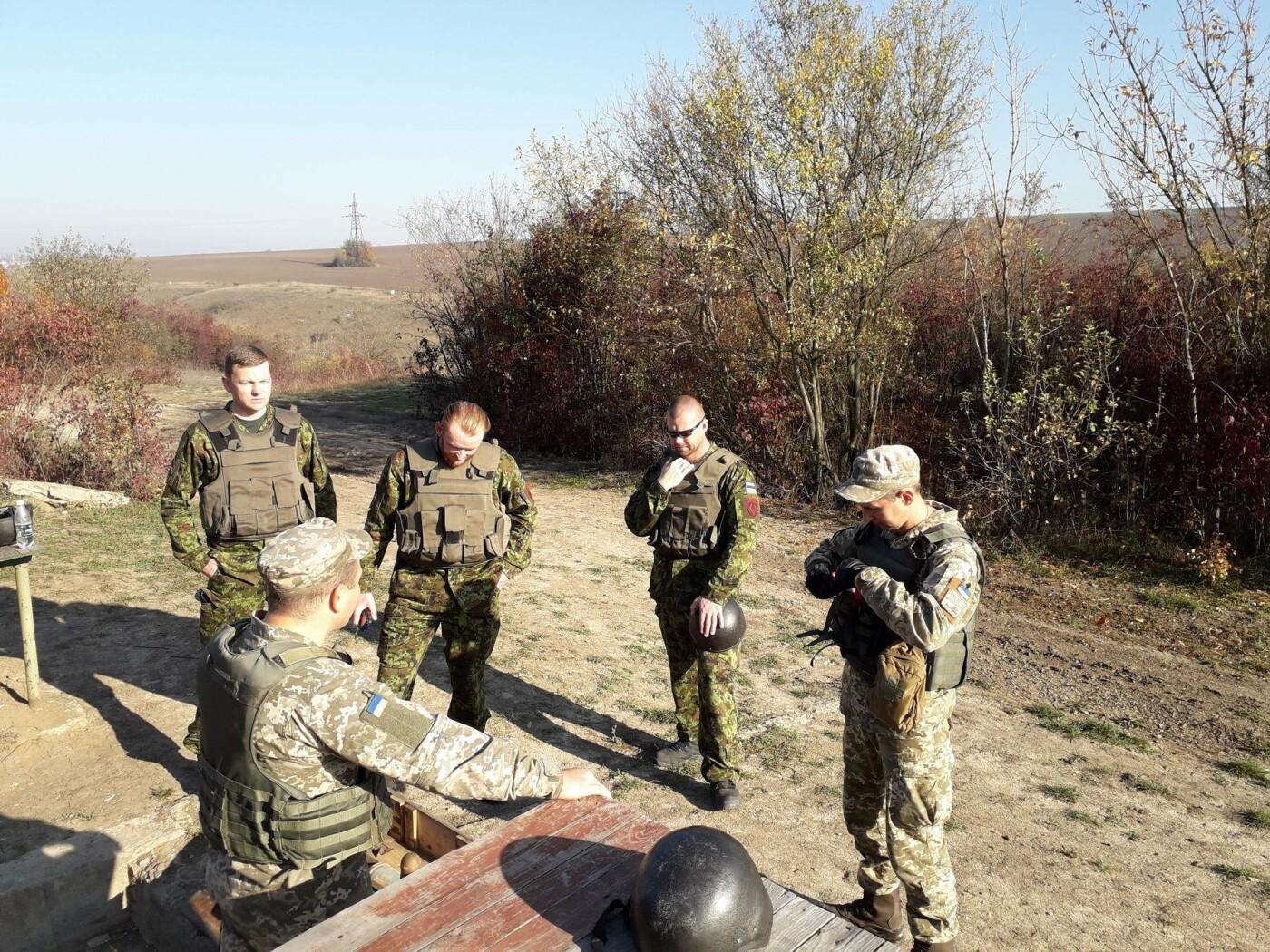 В Центрі розмінуванняння проведено 12-ти денний курс з військовослужбовцями Збройних Сил Естонії , фото-1