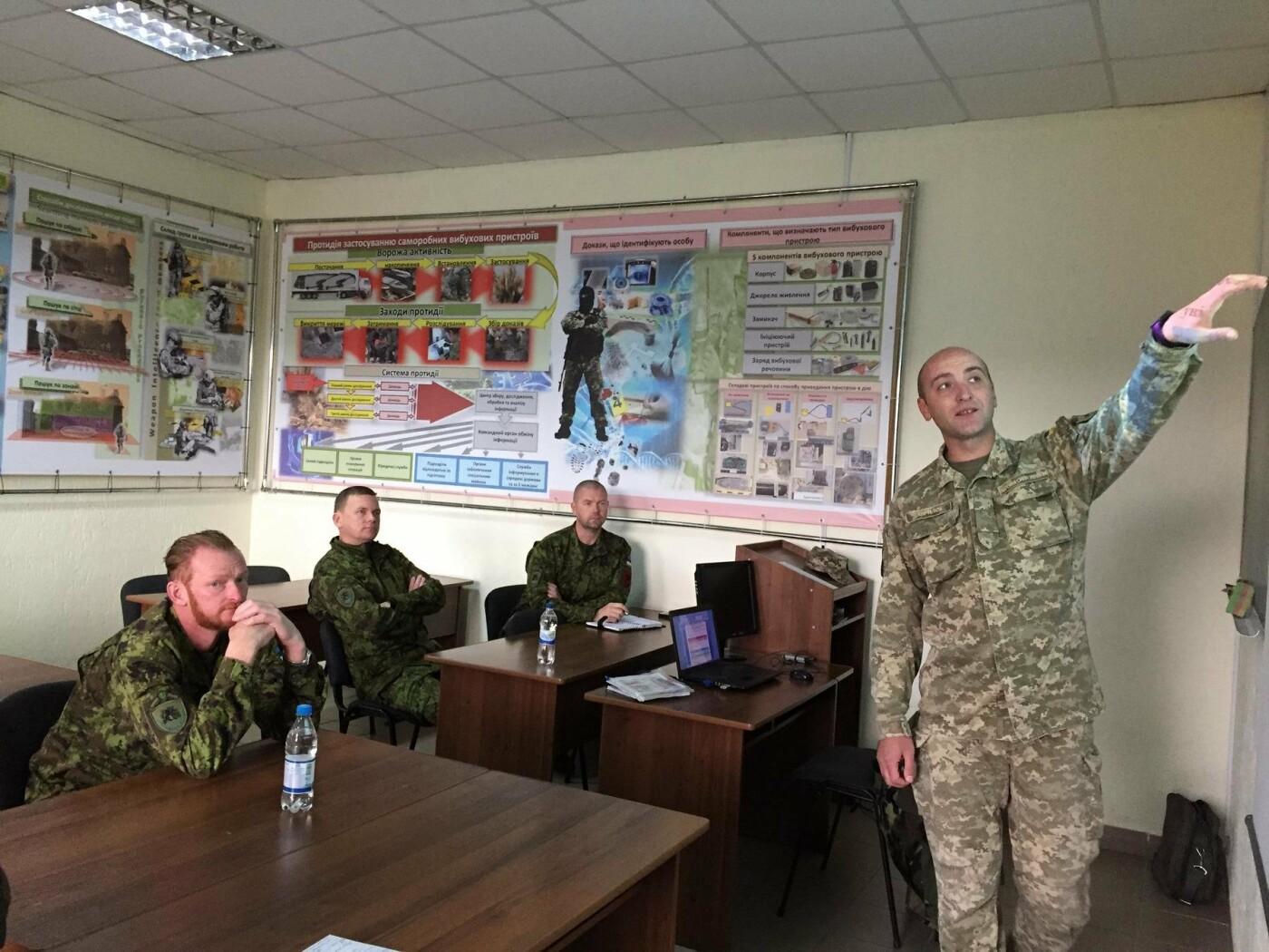 В Центрі розмінуванняння проведено 12-ти денний курс з військовослужбовцями Збройних Сил Естонії , фото-2