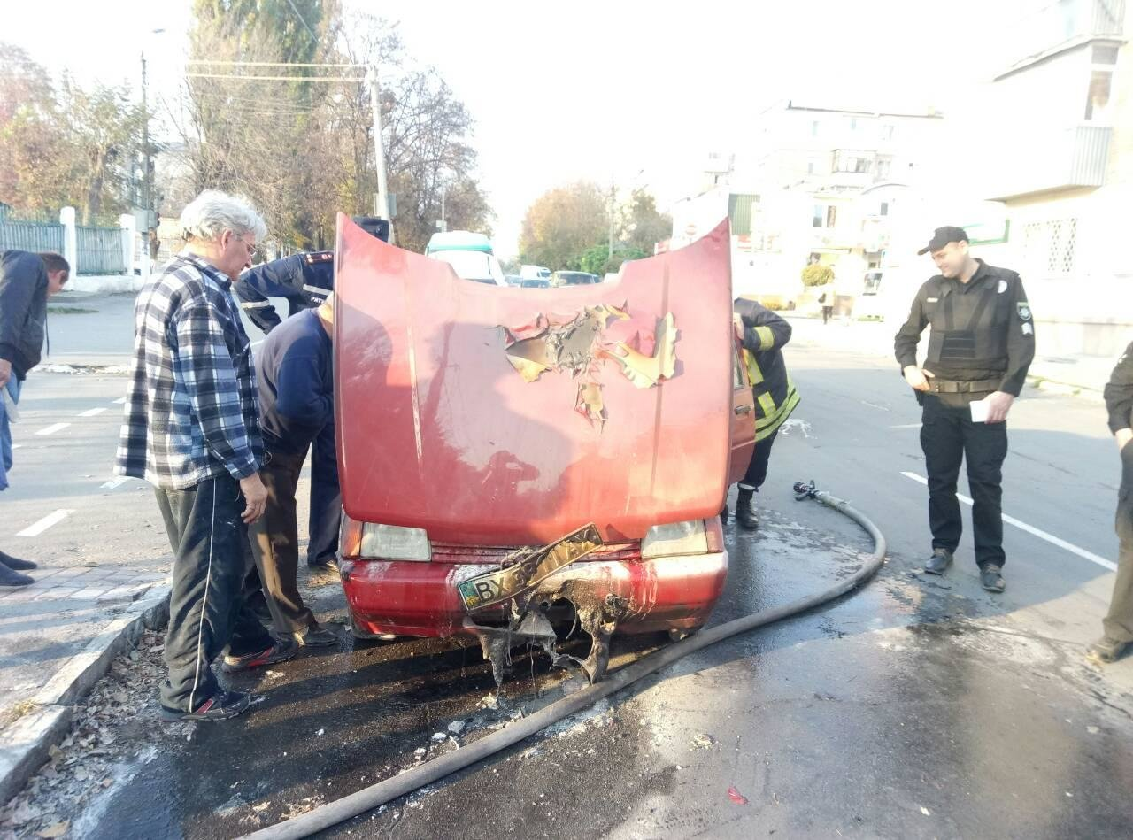 У центрі Кам'янця загорівся автомобіль, фото-1