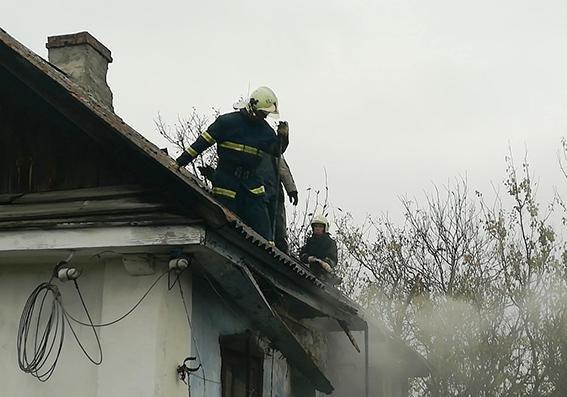 На Хмельниччині син підпалив хату матері, фото-1