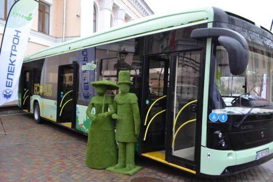У Кам'янці представили перший екологічний транспорт - електробус, фото-1