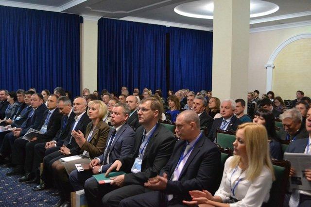 У Кам'янці відбувся бізнес-форум: виступи спікерів, ділове бізнес-спілкування, підписання меморандумів про співпрацю, фото-2