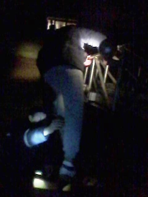 На Хмельниччині чоловік спускався з вікна на простирадлі, фото-2
