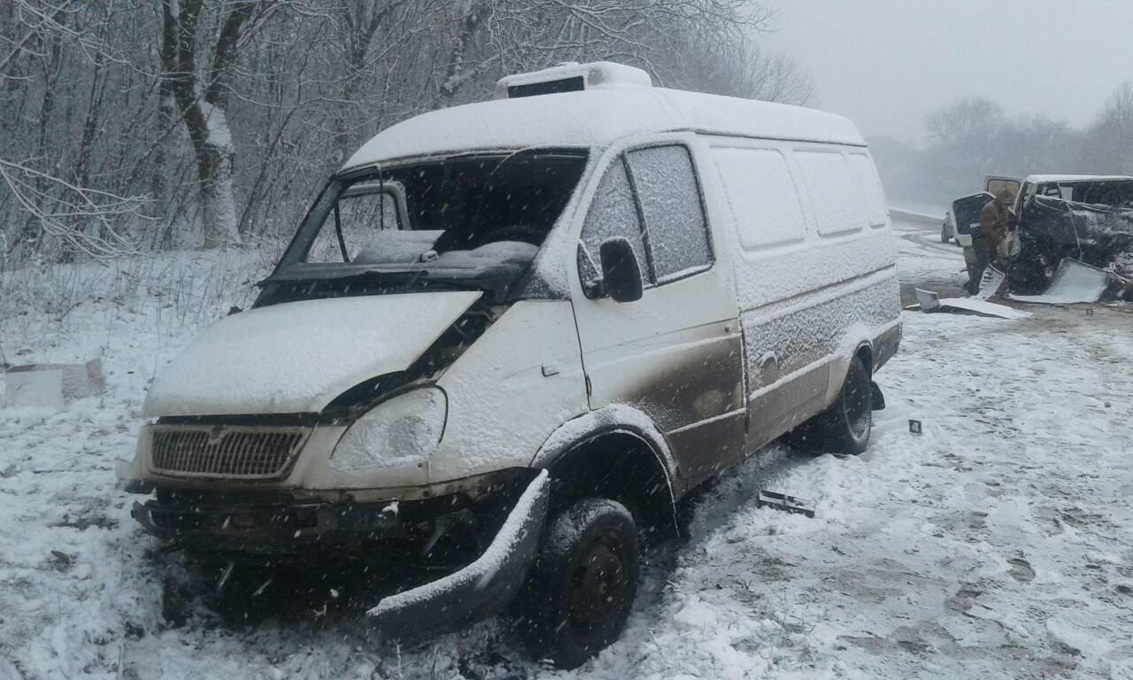 ДТП на Дунаєвеччині: три людини були заблоковані в авто , фото-1