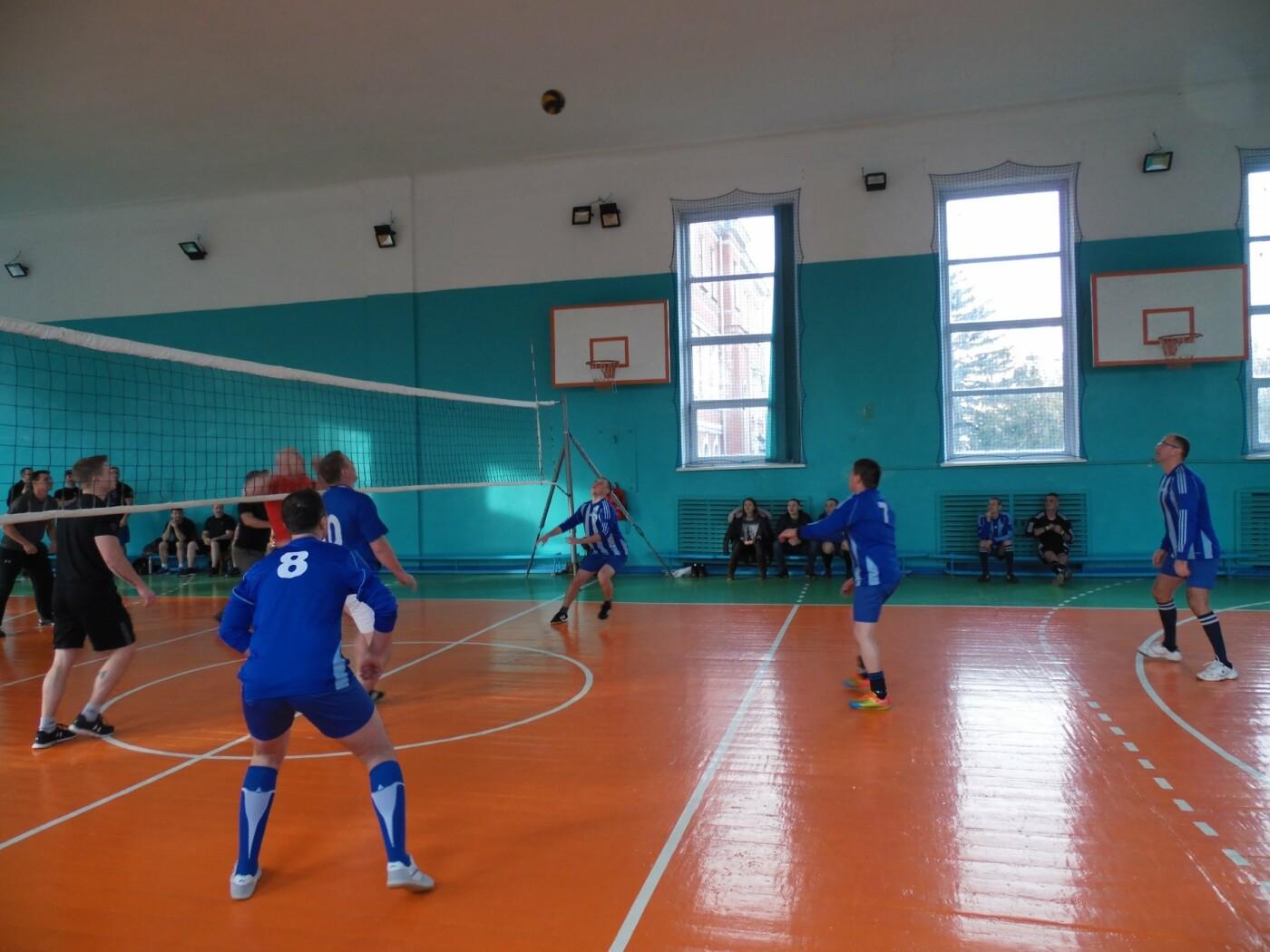 Товариський волейбольний мачт між військовими, фото-1