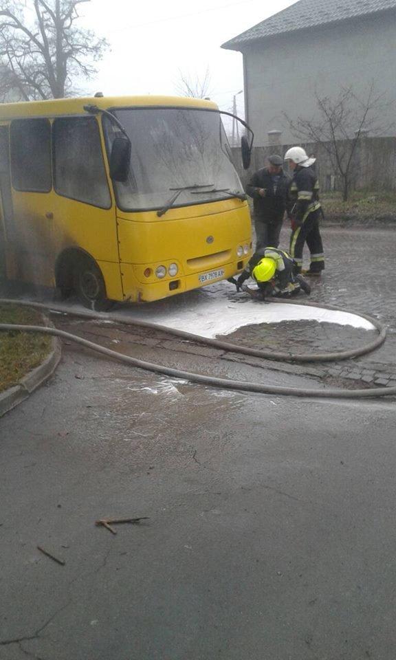 У Кам'янці загорілась маршрутка, фото-2