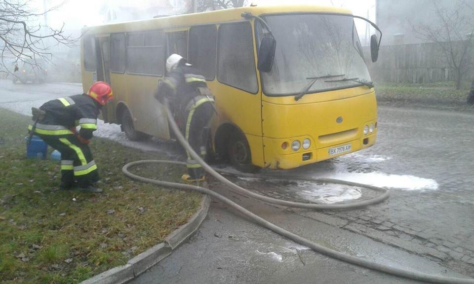 У Кам'янці загорілась маршрутка, фото-3